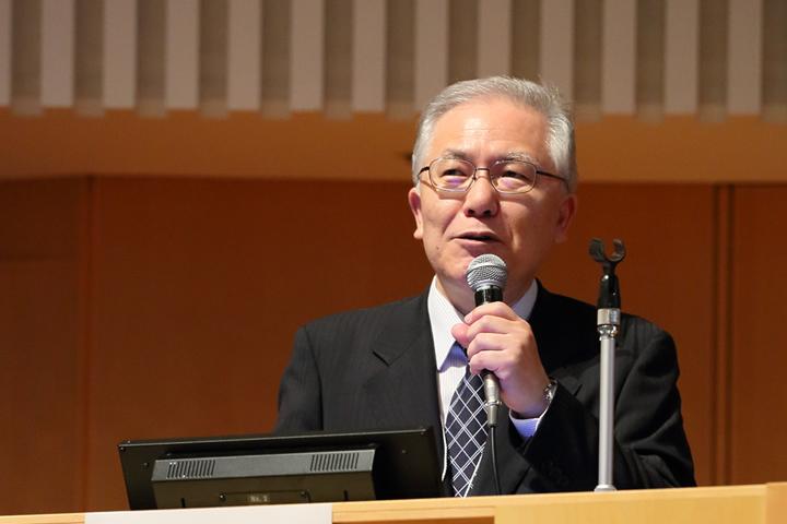 演者の川瀬弘一・聖マリアンナ医科大学医学部病院教授