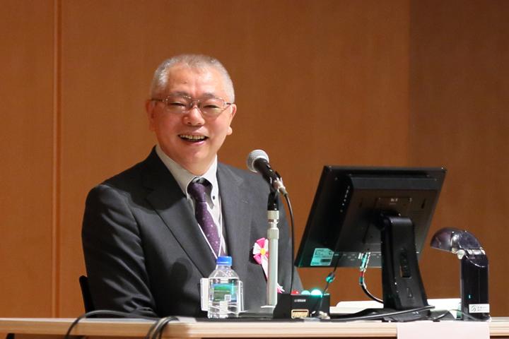 座長の岡部正明・立川綜合病院病院長